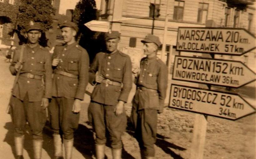 Na zdjęciu – dzisiejszy Plac Teatralny, wówczas Plac Armii Czerwonej.