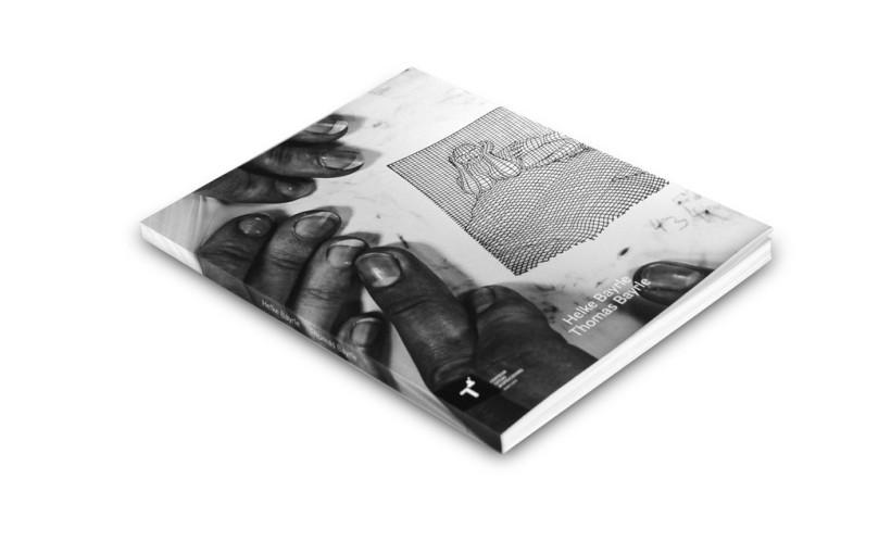 Okładka katalogu THOMAS BAYRLE Po nici do kłębka - z powrotem & HELKE BAYRLE Portikus w budowie