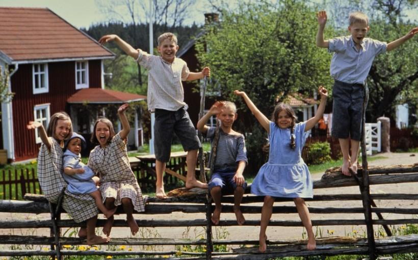 """Kadr z filmu """"Dzieci z Bullerbyn"""""""