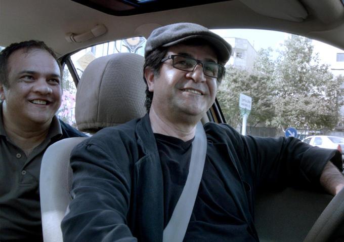 Kadr z filmu Taxi Teheran