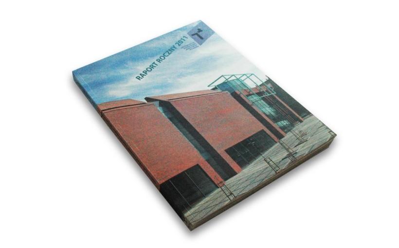 Okładka Raportu Rocznego 2011