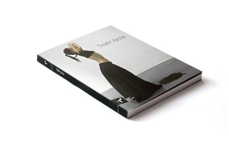 Okładka katalogu Teatr życia