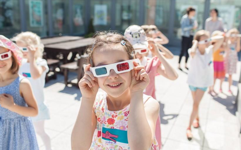 Zdjęcie promujące CSW na Scenie Letniej