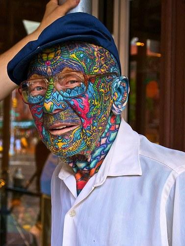 Człowiek z tatuażem