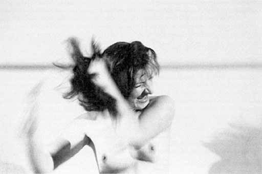 Marina Abramović, Art must be beautiful, artist must be beautiful, 1975