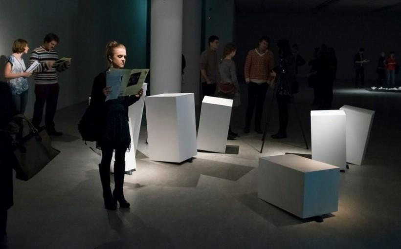 """""""Please Call Stella!"""", widok wystawy, fot. Natalia Miedziak"""